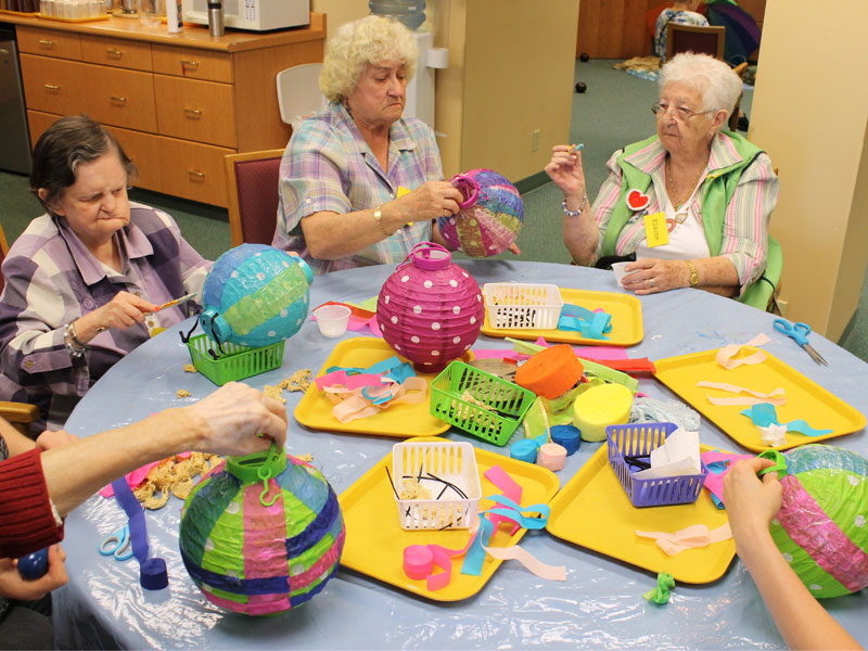 Arts and crafts renfrew collingwood seniors society for Craft ideas for senior citizens